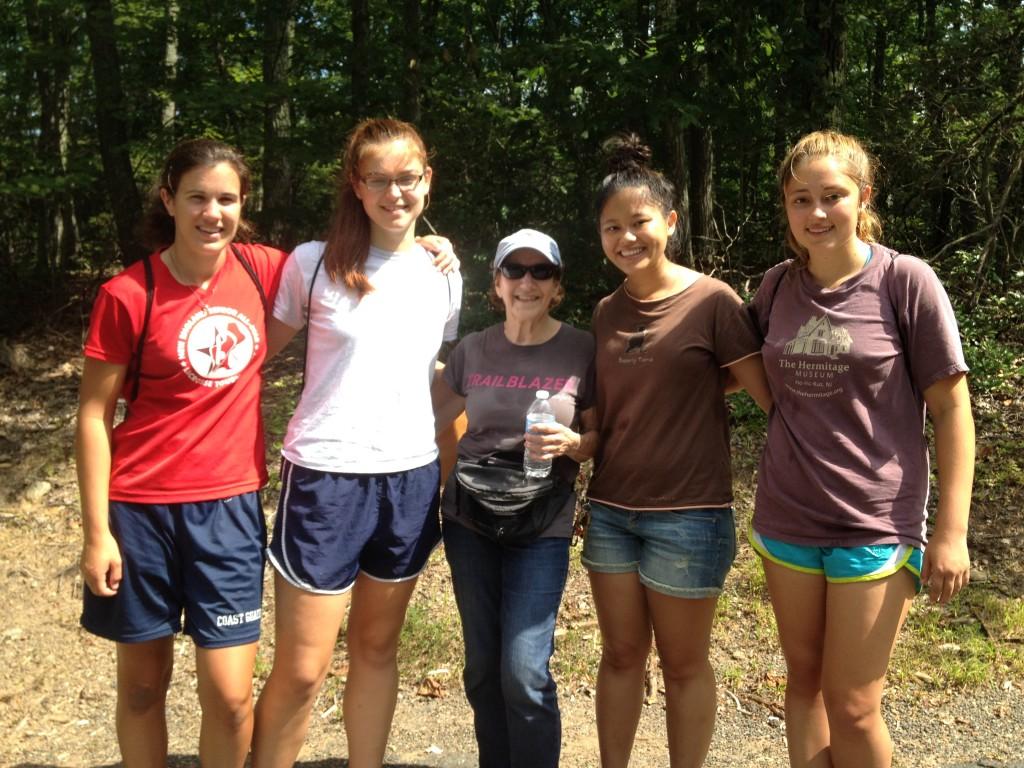 Wesleyan Student Volunteers with Marilyn